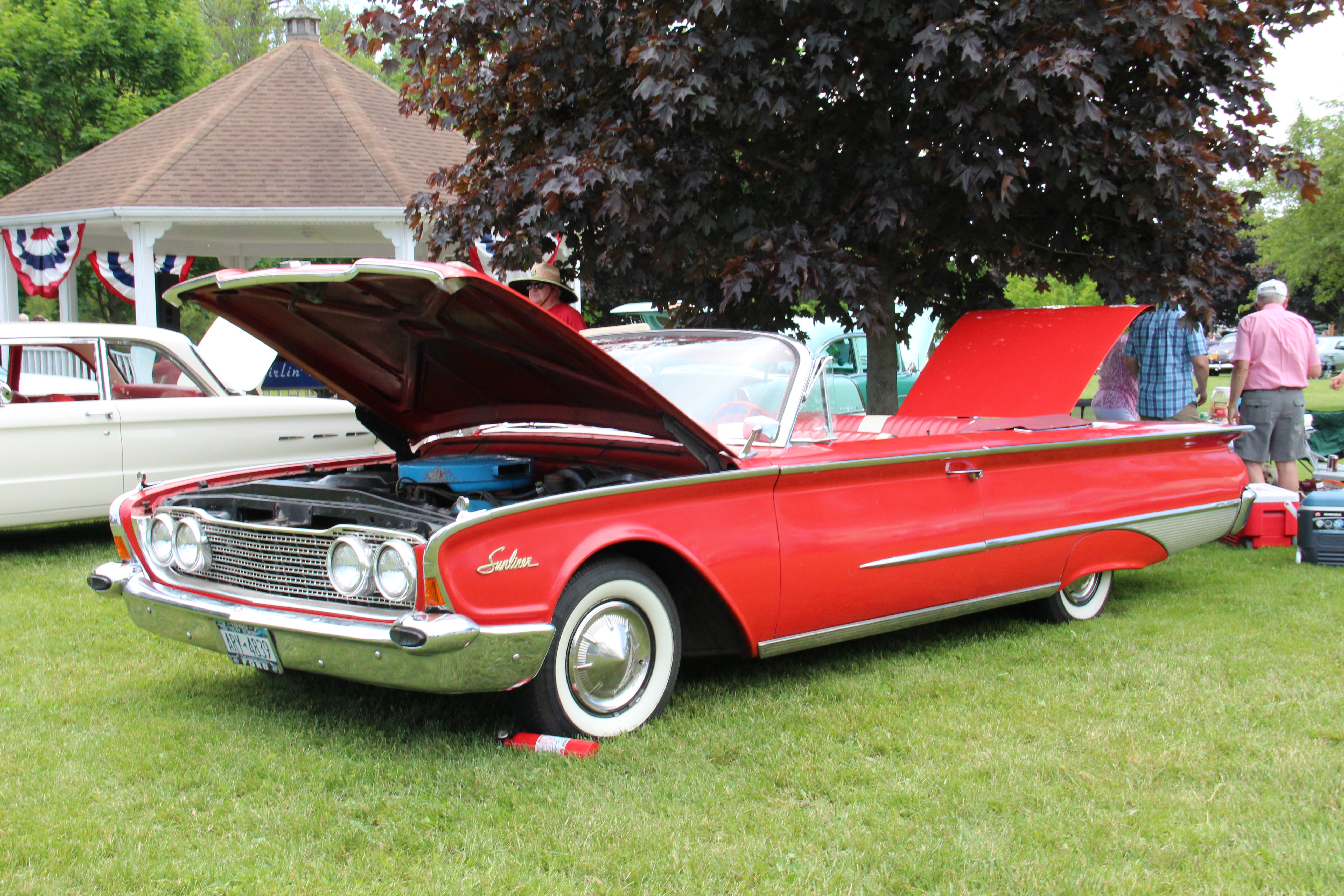 IMG_0584-Class-6-Lee-Hartung-1960-Ford-Sunliner-LER